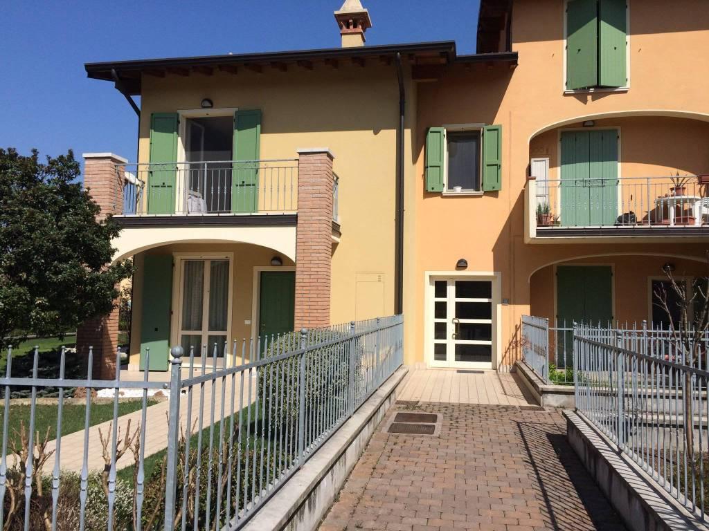 Appartamento in vendita a San Zeno Naviglio, 2 locali, prezzo € 119.000 | CambioCasa.it