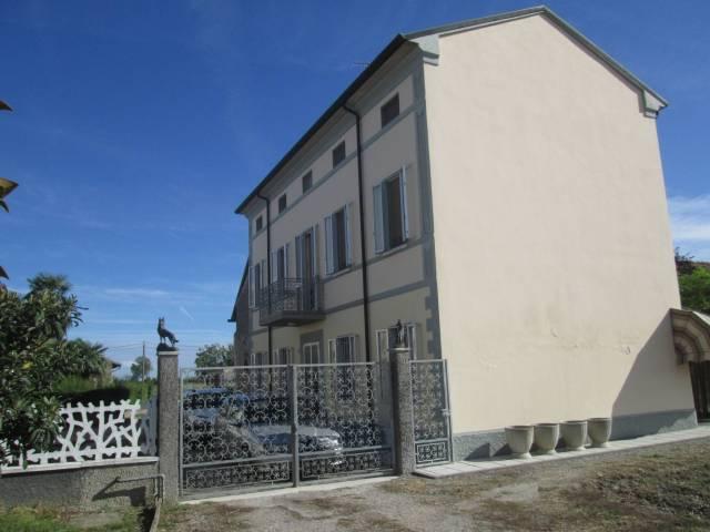 Rustico / Casale in vendita a Ceresara, 6 locali, prezzo € 200.000 | Cambio Casa.it