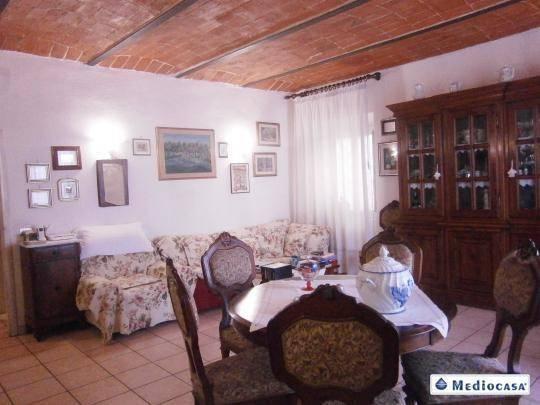 Casa indipendente 5 locali in vendita a Pistoia (PT)