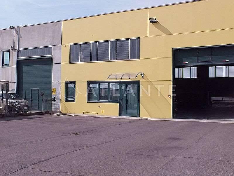 Capannone in vendita a Porto Mantovano, 1 locali, prezzo € 250.000 | CambioCasa.it