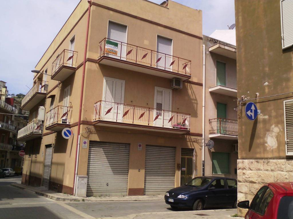 Appartamento in Vendita a Scicli: 5 locali, 146 mq
