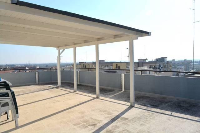 Appartamento in ottime condizioni in vendita Rif. 6646435