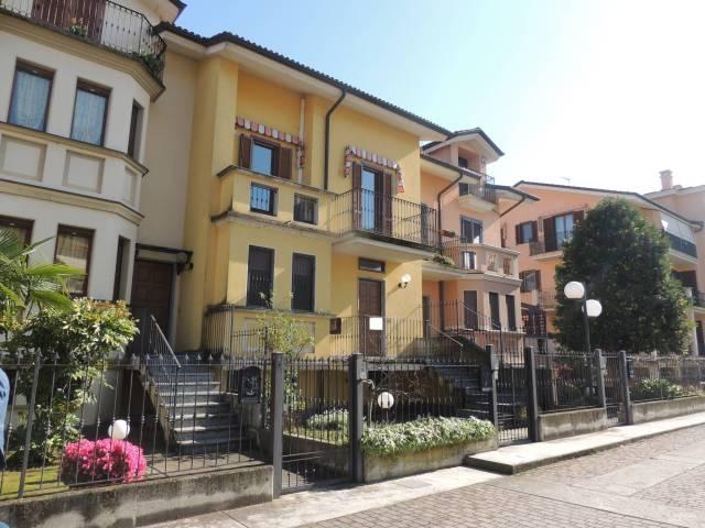 Villetta a schiera in buone condizioni in vendita Rif. 4408410