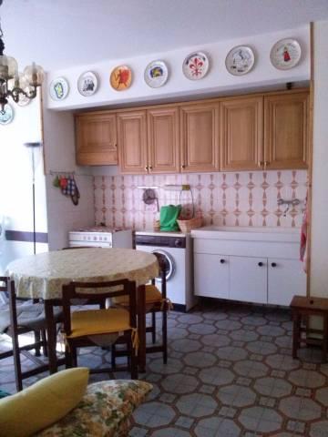 Appartamento in buone condizioni arredato in vendita Rif. 4896234