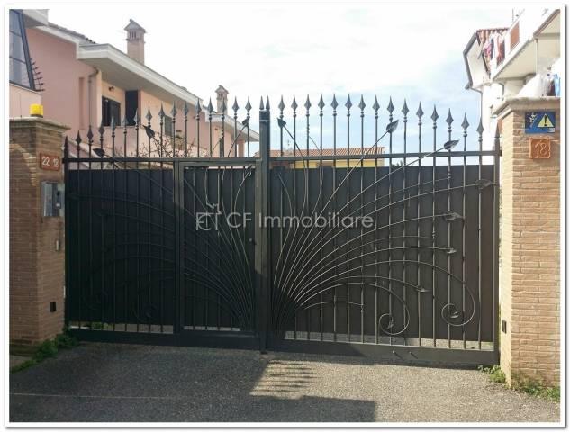 Villa a Schiera in vendita a Fiumicino, 4 locali, prezzo € 450.000 | Cambio Casa.it