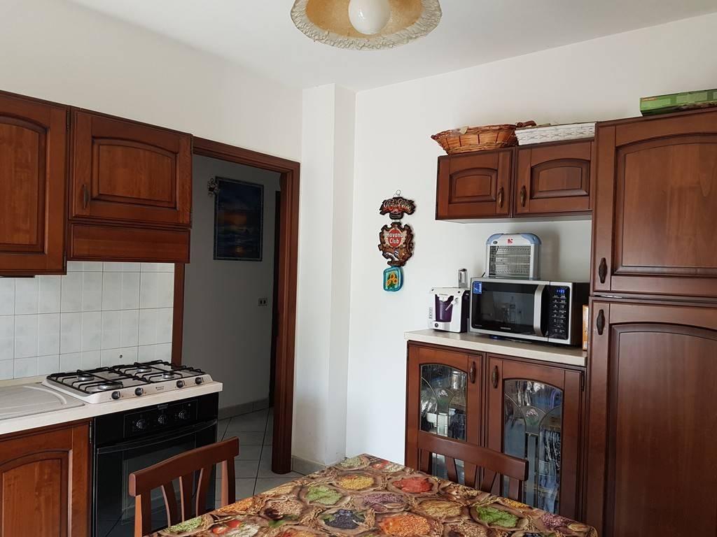 Appartamento in ottime condizioni parzialmente arredato in affitto Rif. 8283570