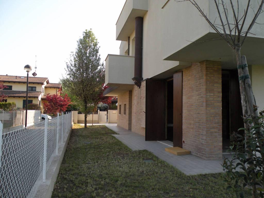 Villa in Vendita a Ravenna Periferia: 5 locali, 215 mq