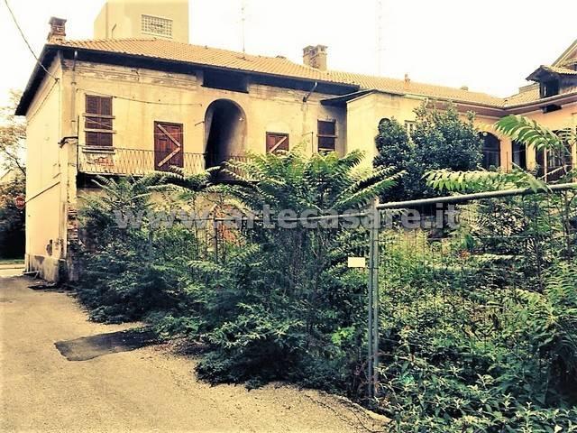 Soluzione Indipendente in vendita a Busto Arsizio, 9999 locali, prezzo € 300.000 | Cambio Casa.it