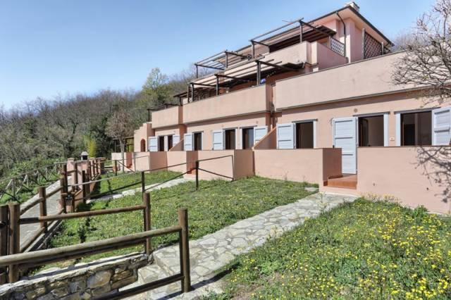 Appartamento con giardino vista mare in vendita a Monteverdi