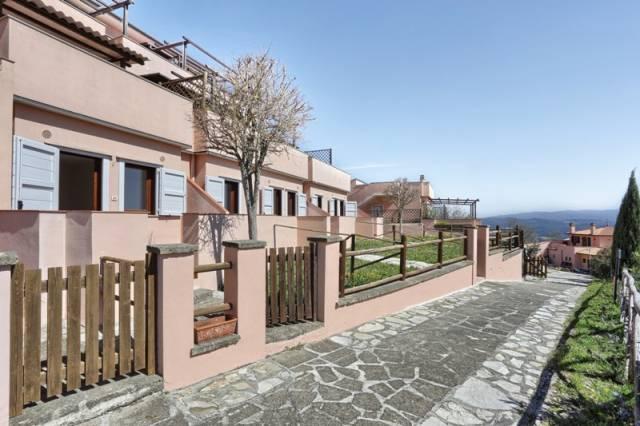 Bilocale con giardino e vista mare in vendita a Monteverdi M