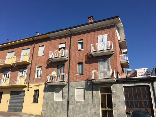 Appartamento in buone condizioni in vendita Rif. 6211360