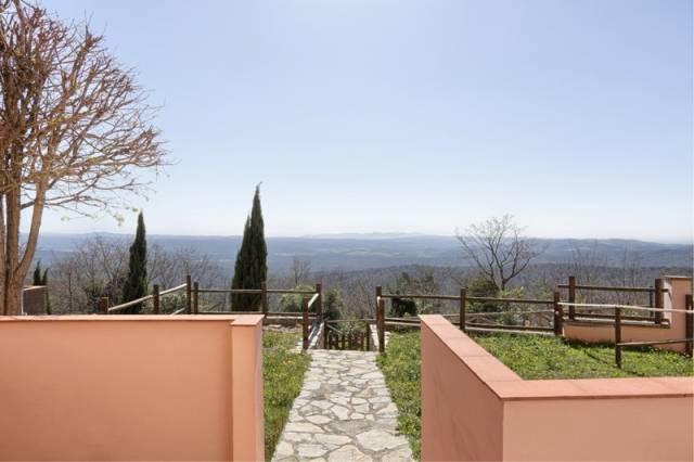 Monolocale con giardino e vista mare in vendita a Monteverdi