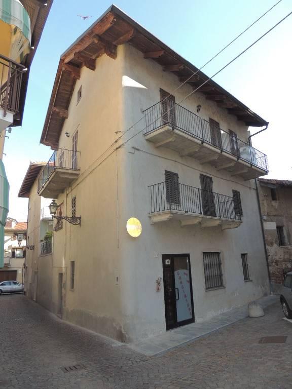 Stabile / Palazzo in buone condizioni in vendita Rif. 4408411