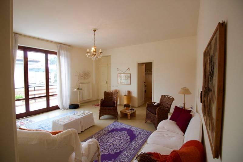 Appartamento in vendita a Forte dei Marmi, 5 locali, prezzo € 790.000 | PortaleAgenzieImmobiliari.it