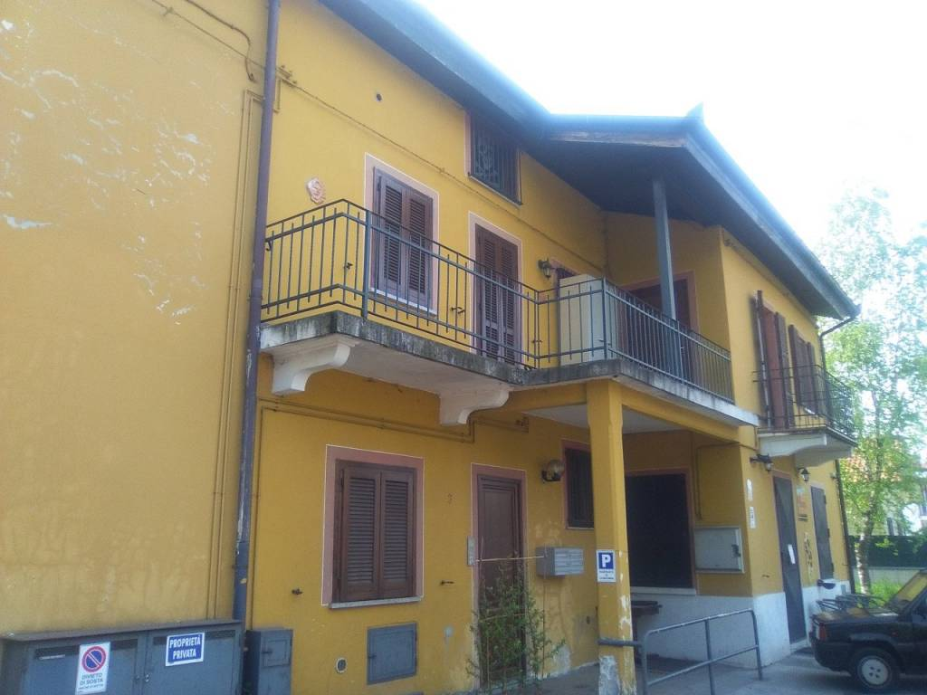 Appartamento in buone condizioni arredato in vendita Rif. 8316745