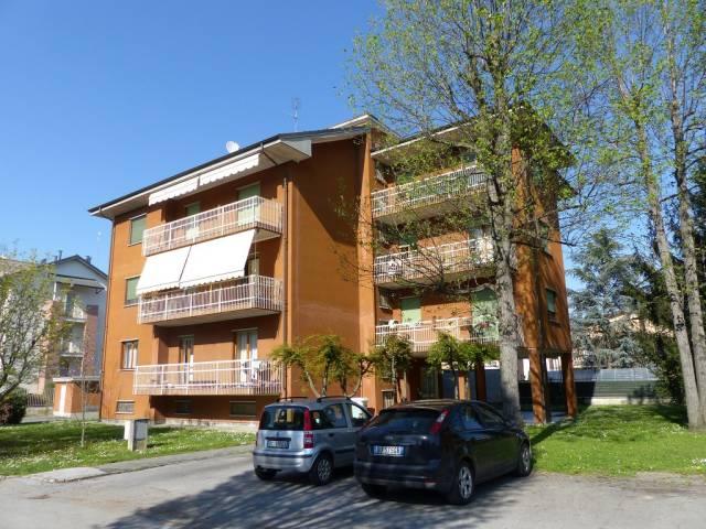 Appartamento in buone condizioni parzialmente arredato in affitto Rif. 4540450