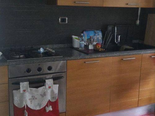 Appartamento in ottime condizioni parzialmente arredato in vendita Rif. 8287860