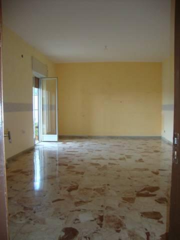 Appartamento in buone condizioni in affitto Rif. 4505234