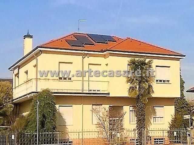 Ufficio / Studio in affitto a Parabiago, 3 locali, prezzo € 800   Cambio Casa.it