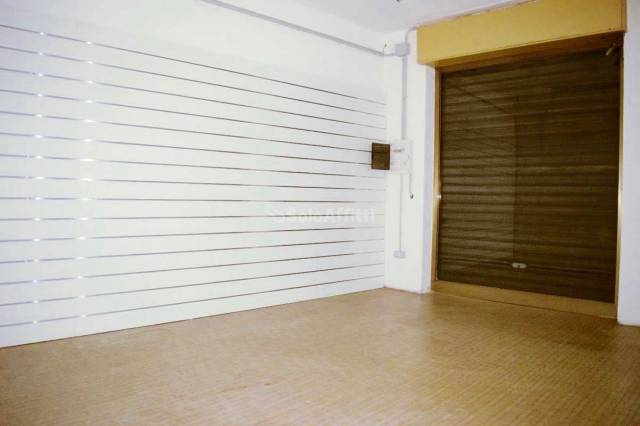 Negozio monolocale in affitto a Mariano Comense (CO)
