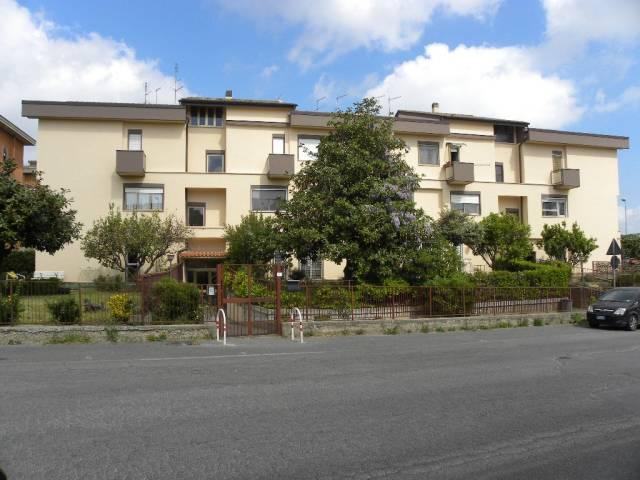 Appartamento in vendita a Bracciano, 5 locali, prezzo € 180.000 | Cambio Casa.it