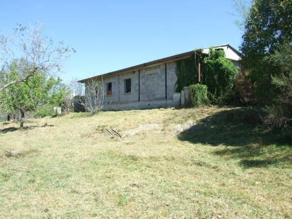 Rustico / Casale da ristrutturare in vendita Rif. 4197339