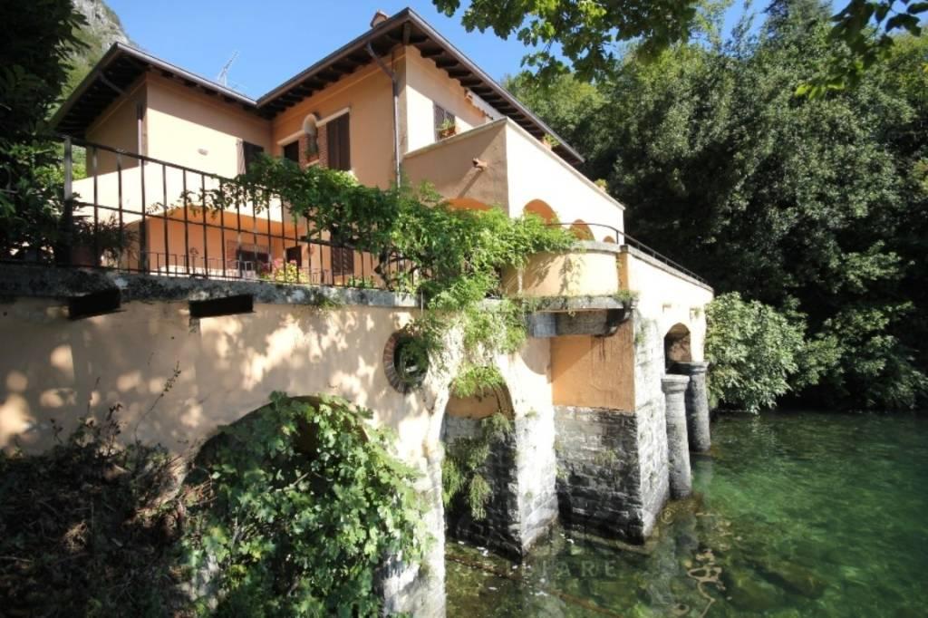 Appartamento in vendita a Menaggio, 4 locali, Trattative riservate | PortaleAgenzieImmobiliari.it