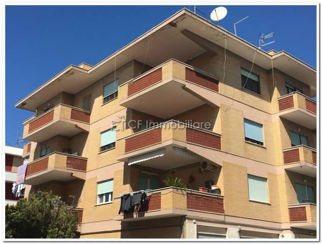 Appartamento in vendita a Fiumicino, 4 locali, prezzo € 195.000 | Cambio Casa.it