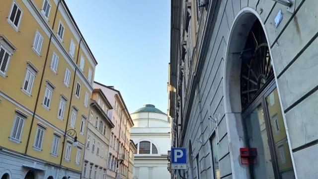 Immobile Commerciale in vendita a Trieste-https://res.getrix.it/media/ad/61328124/1/xs.jpg