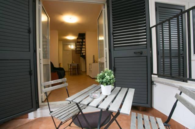 Appartamento in buone condizioni arredato in affitto Rif. 4897422