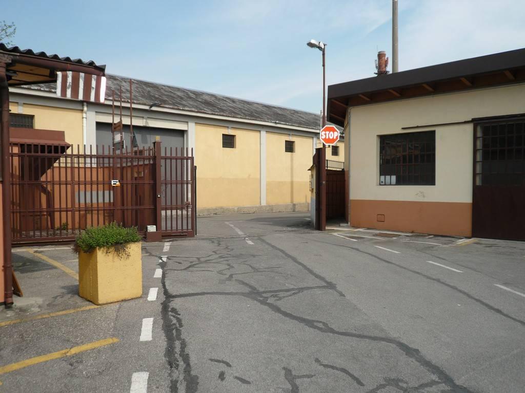 Laboratorio in affitto a Bergamo, 2 locali, prezzo € 500 | CambioCasa.it