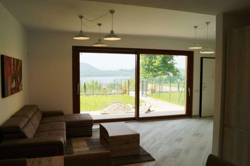 Villa in vendita a Varano Borghi, 4 locali, prezzo € 320.000 | CambioCasa.it