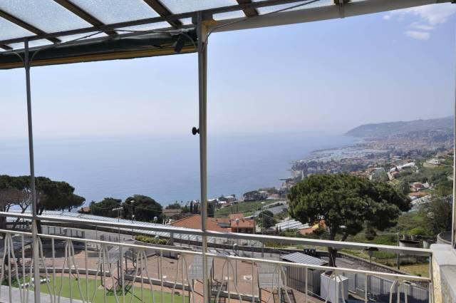 Attico in Vendita a San Remo Semicentro: 4 locali, 108 mq