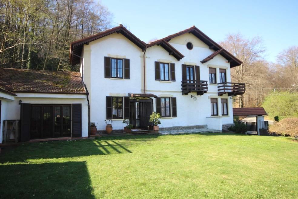 Casa Indipendente in ottime condizioni parzialmente arredato in vendita Rif. 8590041