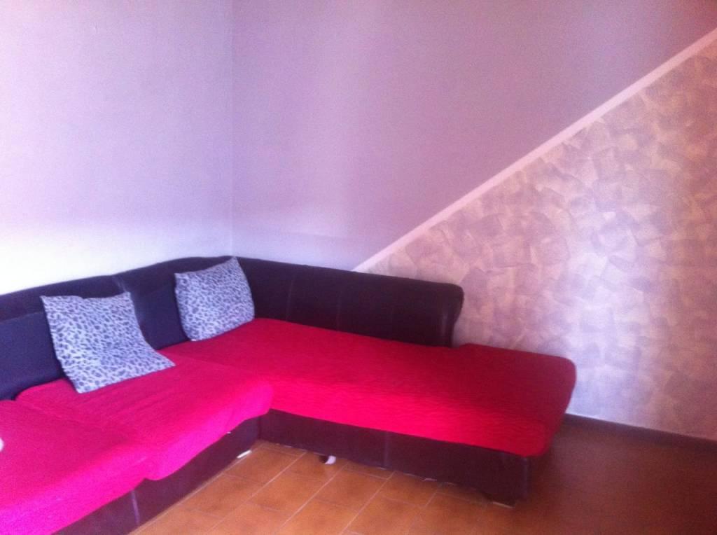 Appartamento in buone condizioni parzialmente arredato in affitto Rif. 8107830
