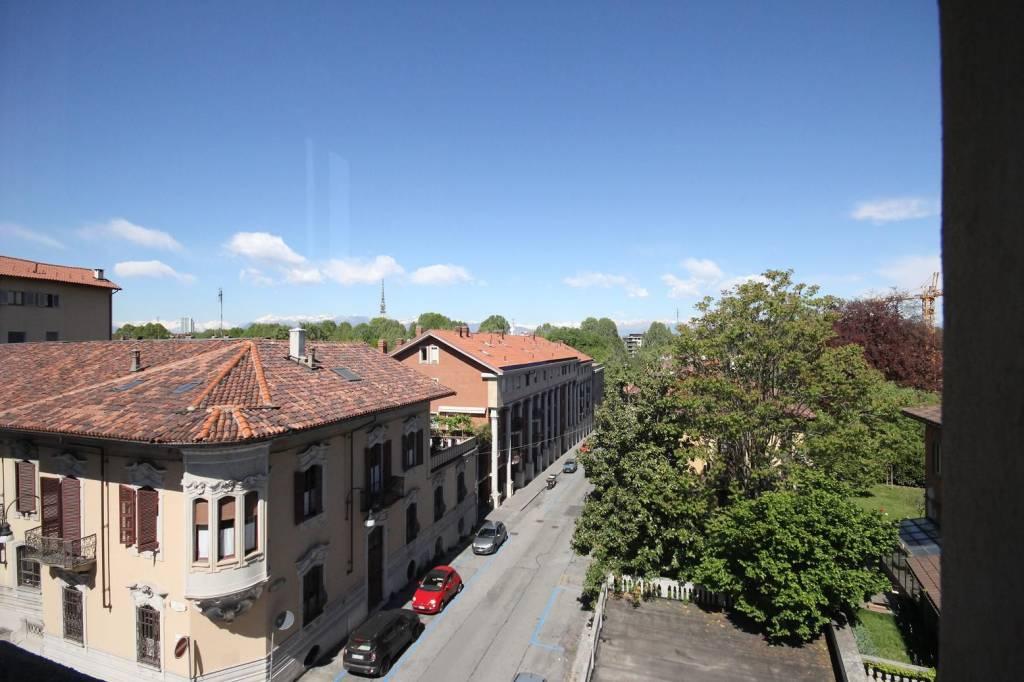 Foto 1 di Appartamento via Martiri della Libertà 32, Torino (zona Precollina, Collina)