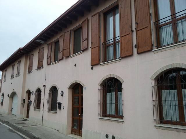 Appartamento in buone condizioni arredato in vendita Rif. 4864298