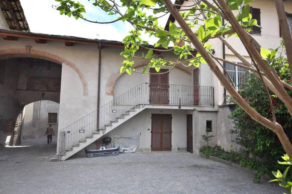 Appartamento in ottime condizioni in vendita Rif. 4972576