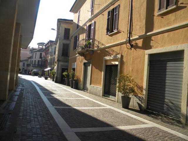 Negozio / Locale in affitto a Gallarate, 3 locali, prezzo € 1.500 | Cambio Casa.it