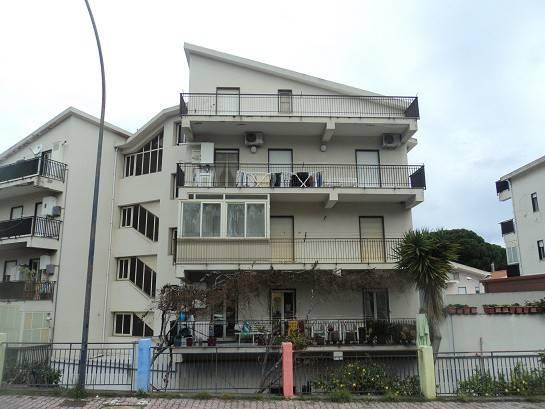 Appartamento in vendita a Patti, 3 locali, prezzo € 120.000 | Cambio Casa.it