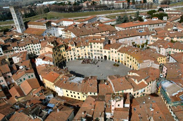 Bilocale Lucca Via Salicchi 13