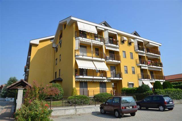 Appartamento in ottime condizioni arredato in affitto Rif. 9146088