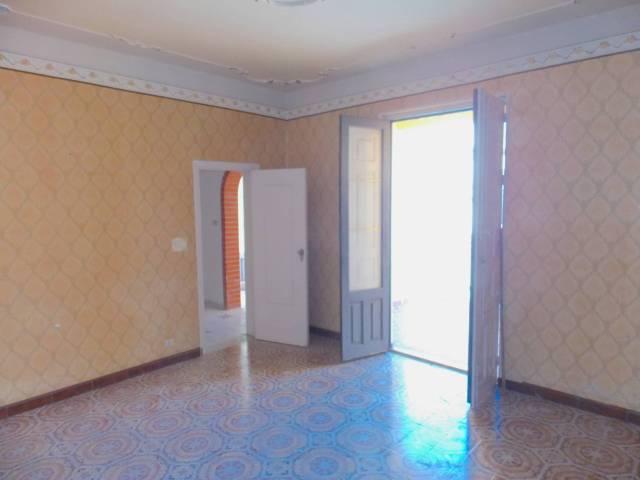 Appartamento trilocale in vendita a Adrano (CT)