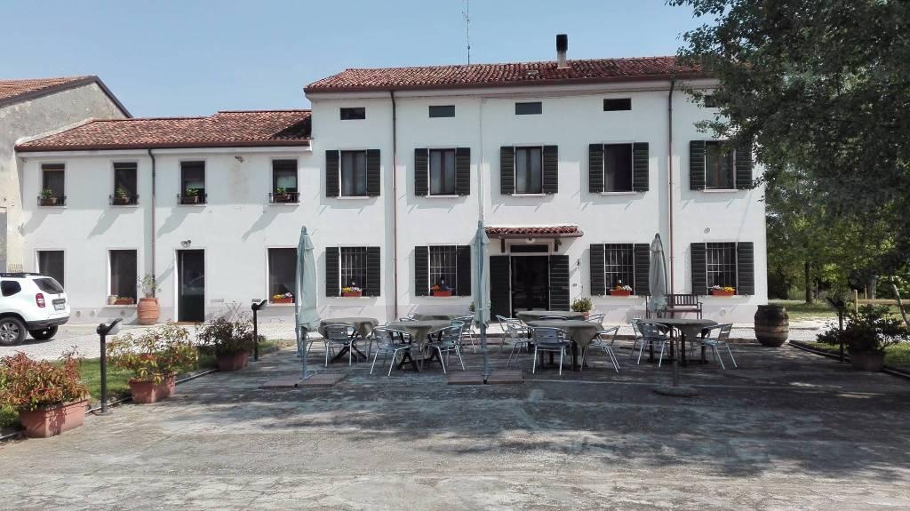Castellucchio (MN) Vendo grande casa di campagna
