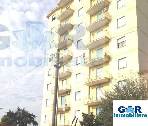 Appartamento in buone condizioni in affitto Rif. 8973748