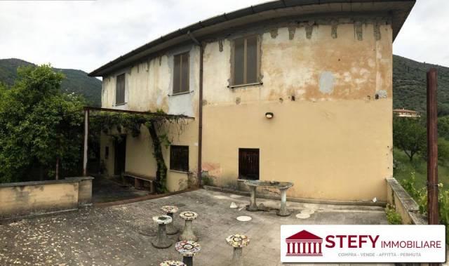 Rustico / Casale da ristrutturare parzialmente arredato in vendita Rif. 4998316