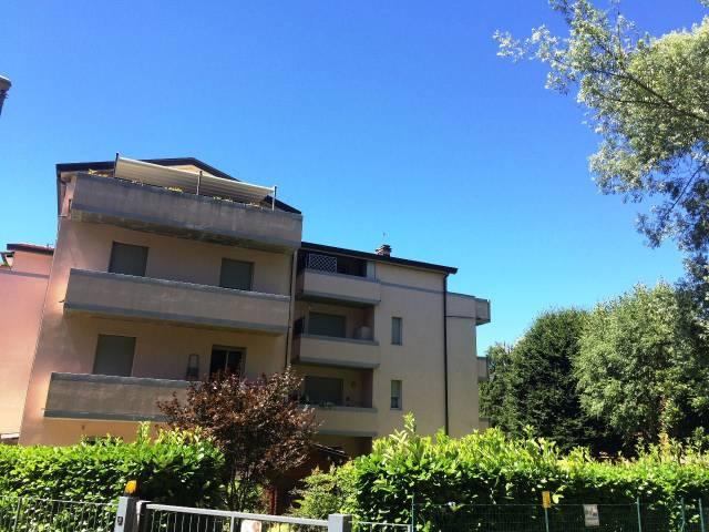 Appartamento in vendita a Lipomo, 3 locali, prezzo € 190.000 | CambioCasa.it