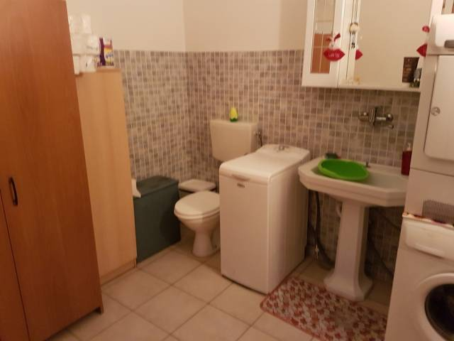 Villa in vendita a Modena, 5 locali, prezzo € 250.000 | Cambio Casa.it