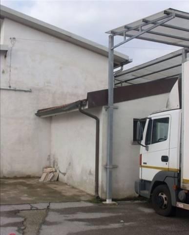 Magazzino in vendita a Capannori, 3 locali, prezzo € 150.000 | Cambio Casa.it
