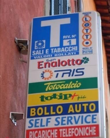 Tabacchi / Ricevitoria in vendita a Fucecchio, 3 locali, prezzo € 155.000 | Cambio Casa.it